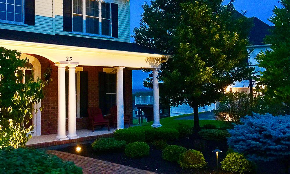 Landscape Lighting Pro - Front Home Lighting